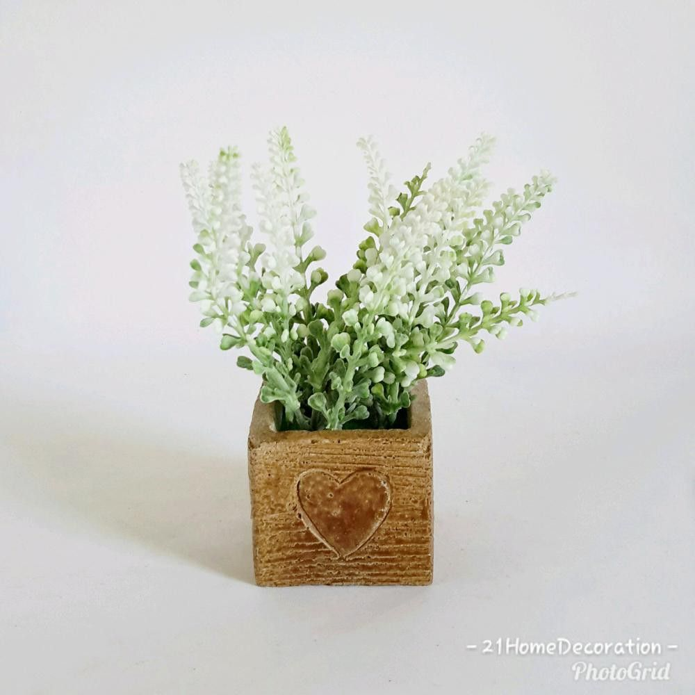 Vas Love Kecil Unik Dengan Bunga Artificial Cantik Hiasan Pajangan Meja Rp43 000 Dekorasirumah Homedecor Homedecoration Bung Bunga Buatan Bunga Taman Bunga