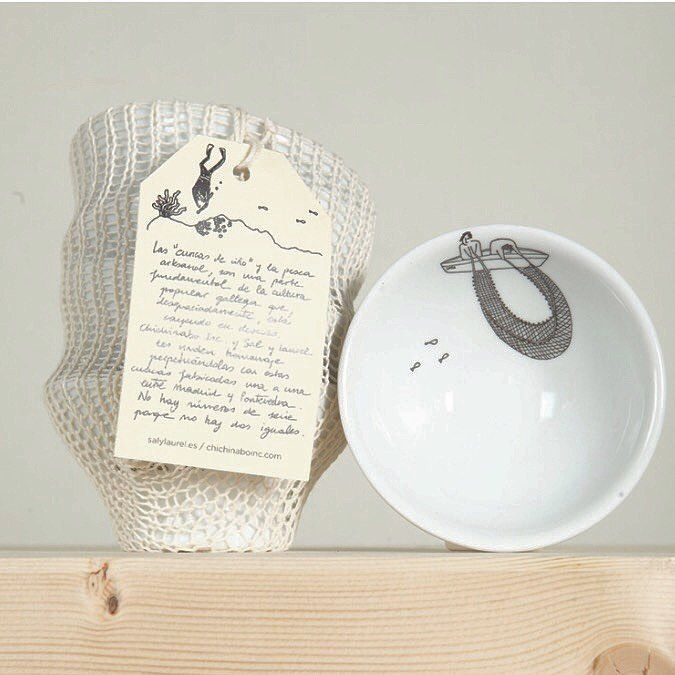Hace cuanto que no publico las cuncas...��....mucho!!! Disponibles en nuestra tienda online!!! ������#cuncas #cuencos #tazas #viño #vino #Galicia #galiciacalidade #ribeiro #ceramica #porcelana #regalos #regalosoriginales #regalazos #ilustracion #pesca #red #marisco #tiendaonline http://misstagram.com/ipost/1541208312283219693/?code=BVjeMtahUbt