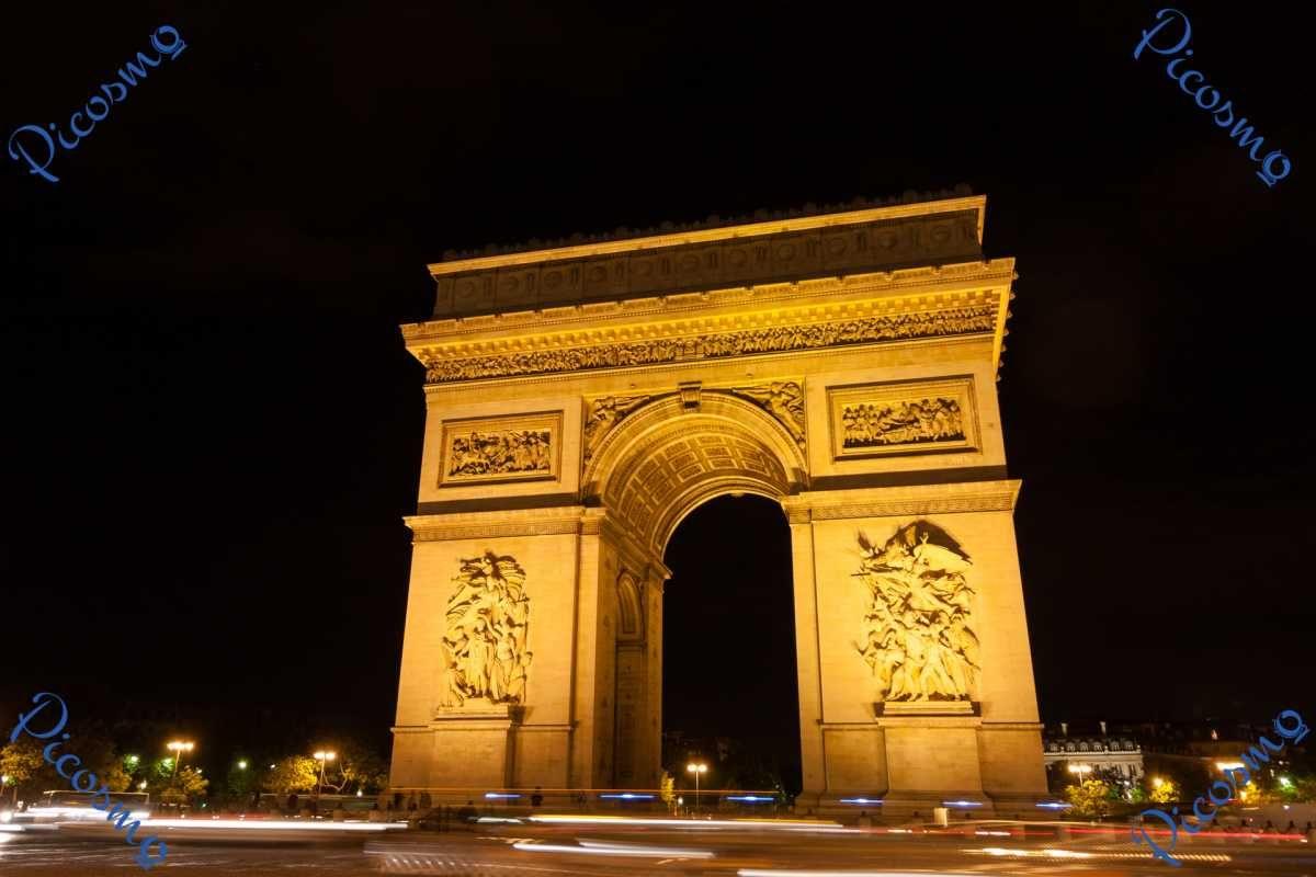 Picosmo Com Der Arc De Triomphe In Paris Bei Nacht Stadte Nachtaufnahmen Paris Denkmal