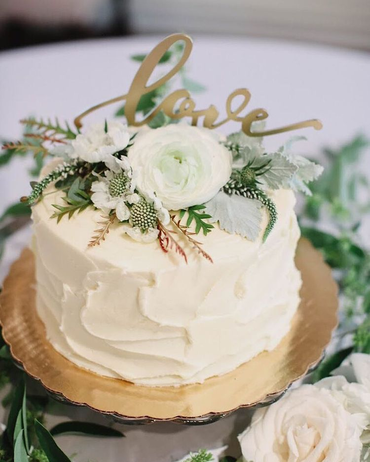 Our Favorite Floral Cake Toppers Wedding Cakes With Flowers