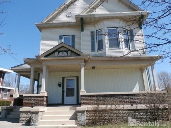 540 S 2nd St Apt 3 Hamilton Oh 45011 Zillow Renting A House Find Houses For Rent House Styles