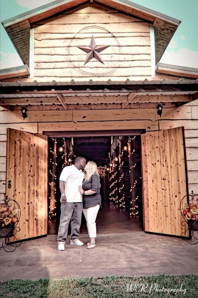 www.thewillowcreekranchtx.com rustic barn wedding venue ...