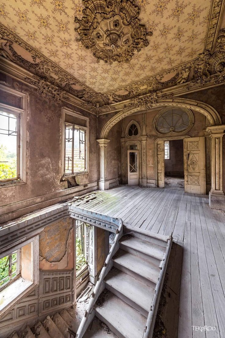 Wow, this must have been gorgeous....still beautiful even in this condition #abandonedplaces