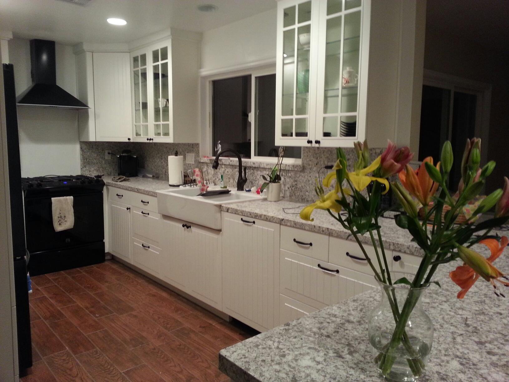 Kitchen after: My white STAT kitchen with Atlantic Salt quartz ...