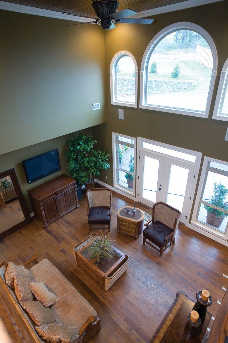Balcony Floor Design: Completely Open Great Room