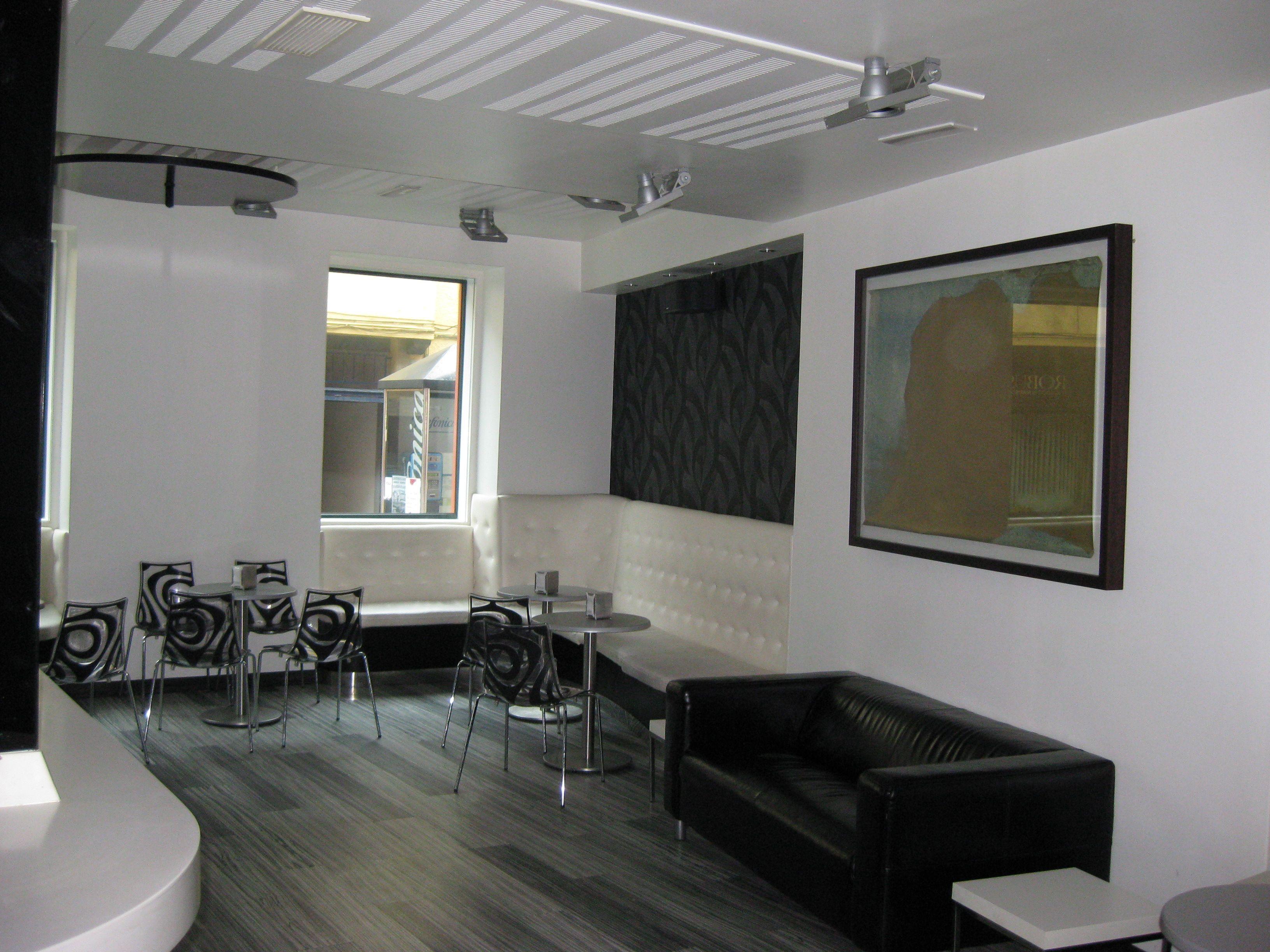 Ideas de cafeteria estilo contemporaneo color blanco for Colores contemporaneos para interiores
