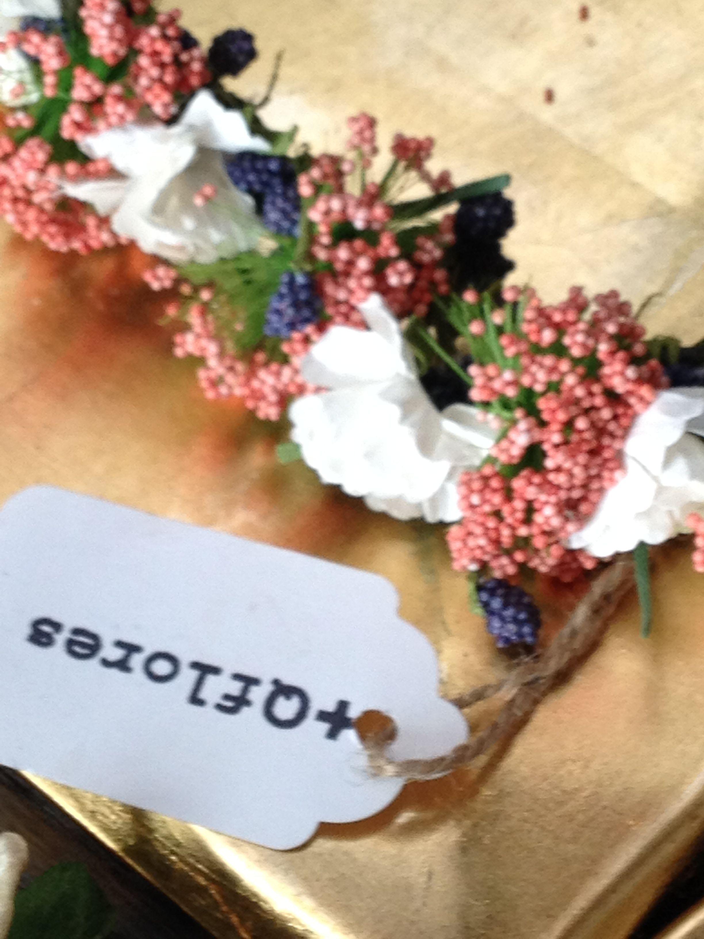 corona flores detalle
