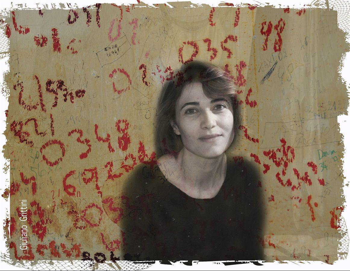 Anna Foglietta, a teatro con La pazza della porta accanto (di Claudio Fava, messo in scena da Alessandro Gassman), racconta come interpretare la poetessa Alda Merini l'ha cambiata dentro