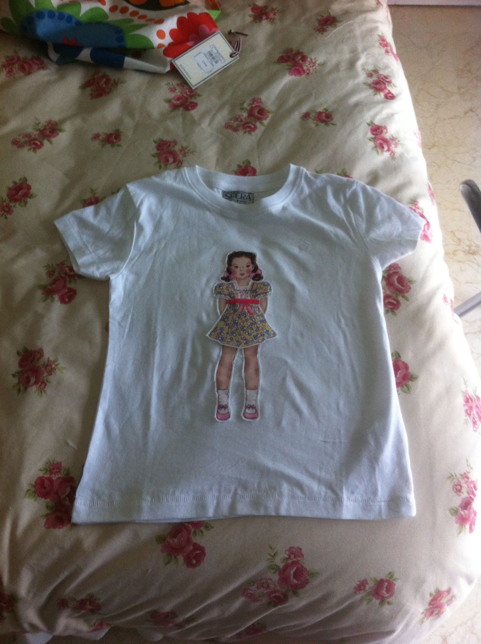 Camiseta con aplicación