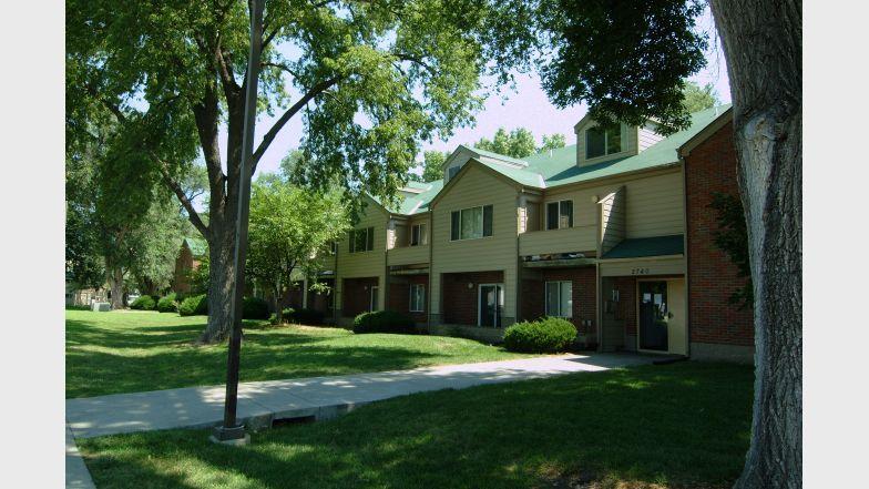 Center Oaks Fair Oaks Apartment Communities Apartments For Rent Apartment
