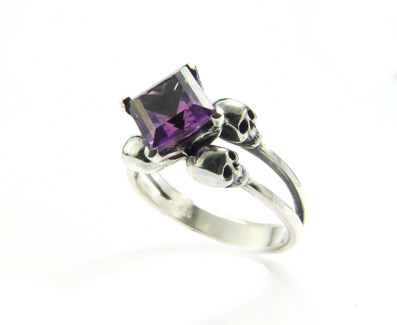 Skull Ring Silver Non-traditional Engagement Amethyst Skull Ring Mourning Ring Purple Gemstone Ring Memento Mori Pisces Birthstone Ring