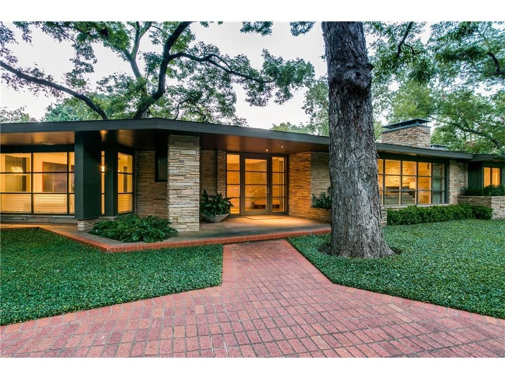 Great midcentury modern ranch house had lots of natural ...