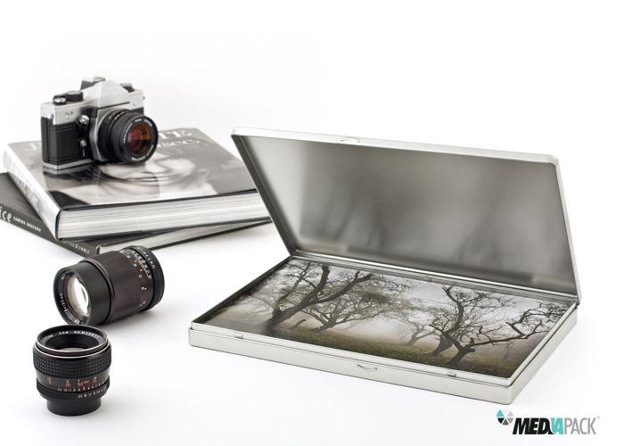 Embalagem de metal, com tamanho A4, totalmente personalizável.