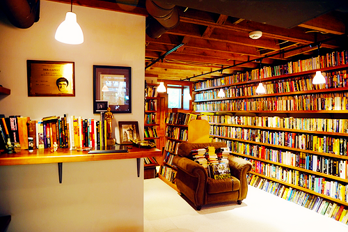 Neil Gaimans private library.