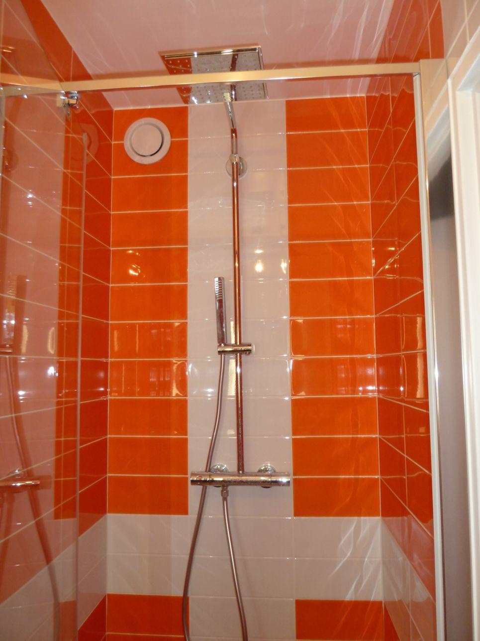 Salle d'eau orange