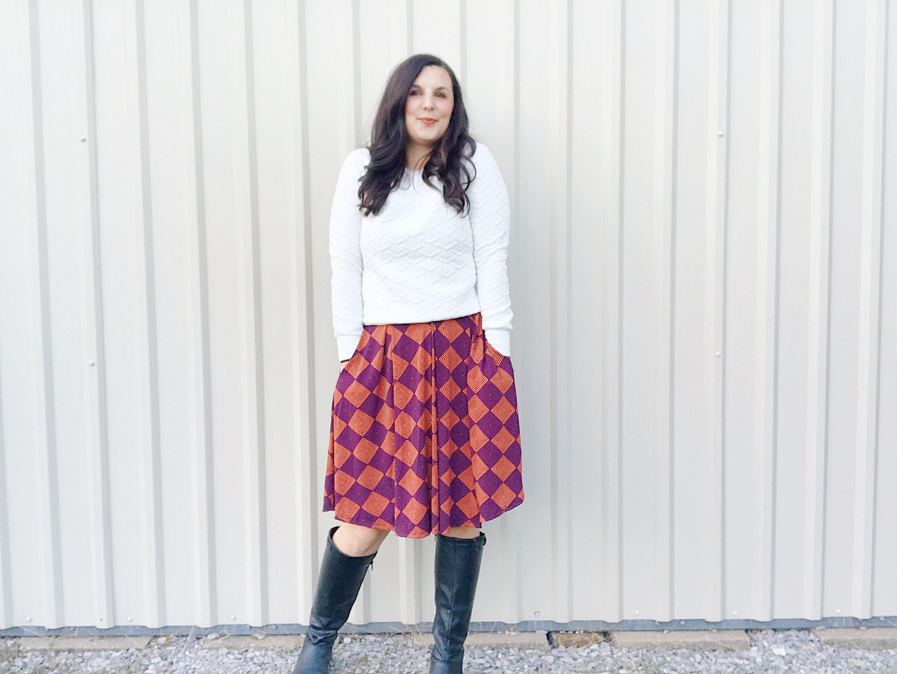 ae977ff83b ... sweater is perfect for cooler weather. #lularoe #lularoemadison  #skirtsandsweaters #pleatedskirt #skirtwithpockets #workoutfit #fallfashion  #skirts