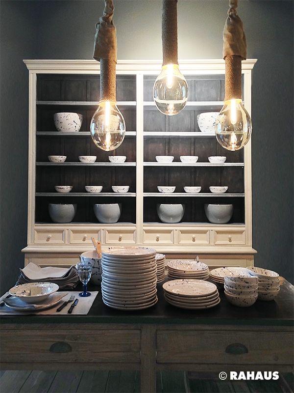 Kücheninsel küchenbuffet rahaus regal küche berlin style einrichtung gekälkt stein einrichten möbel geschirr leuchten www rahaus de