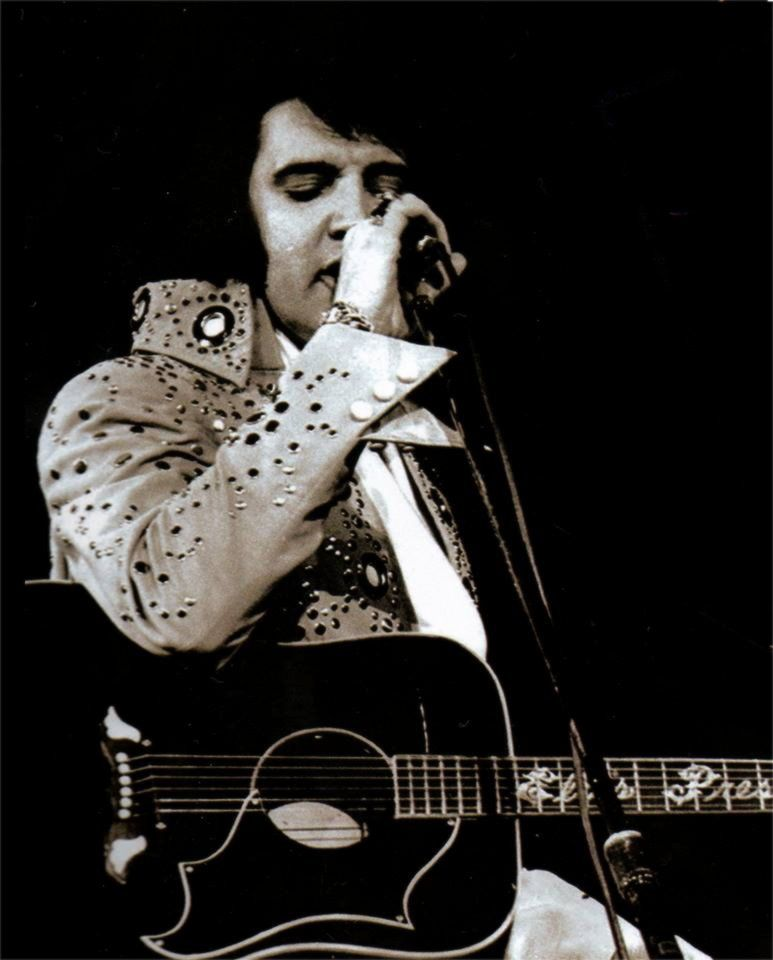 Elvis in concert in Hampton road april 9 1972.