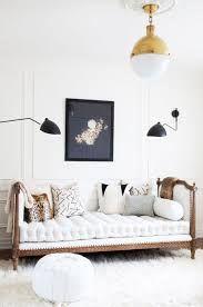 Bianco e oro due colori che non passeranno mai di moda! #DelightFULL #midcentury #furniture #arredamento#ideearredamento #design #designdiinterni #anni50 #anni60 #eleganza #bianco #oro #suspension #chandelier #luxurybrand #interiordesigner #architetto #illuminazione #lighting #lamp #midcentury #retro #vintage