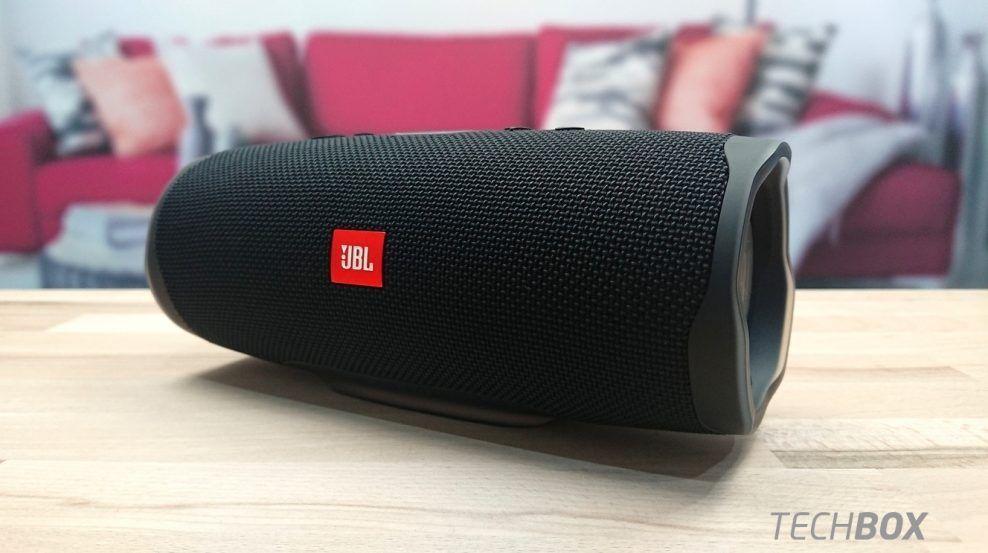 Jbl Charge 4 Pohodovy Reproduktor Aj Do Nepohody Jbl Jbl Charge Jbl Speaker