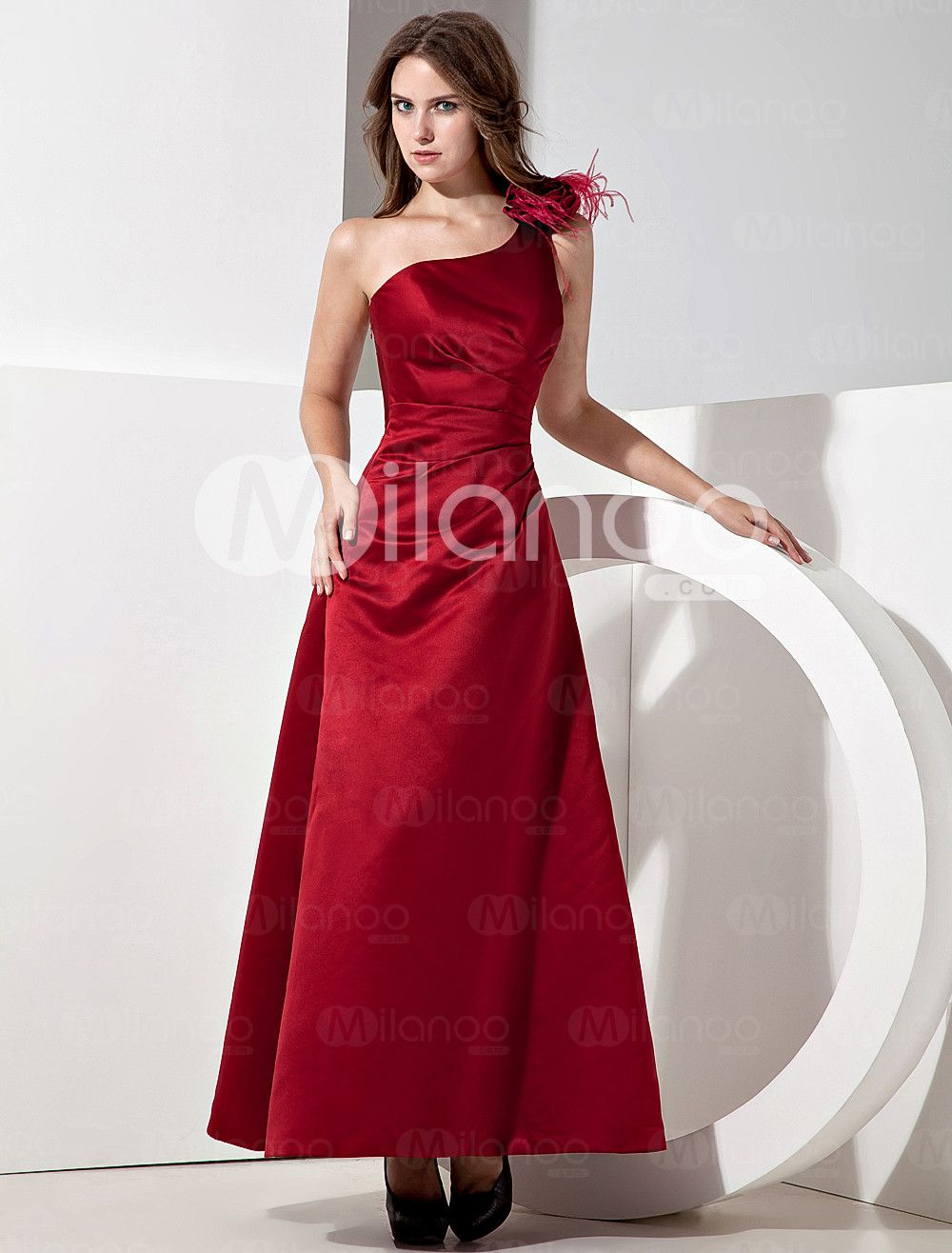 Elegant red satin oneshoulder womens bridesmaid dress