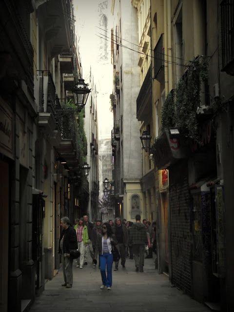Barcelona 2 Points Of View Blogspot Com City Street Voyage Street Street View Views