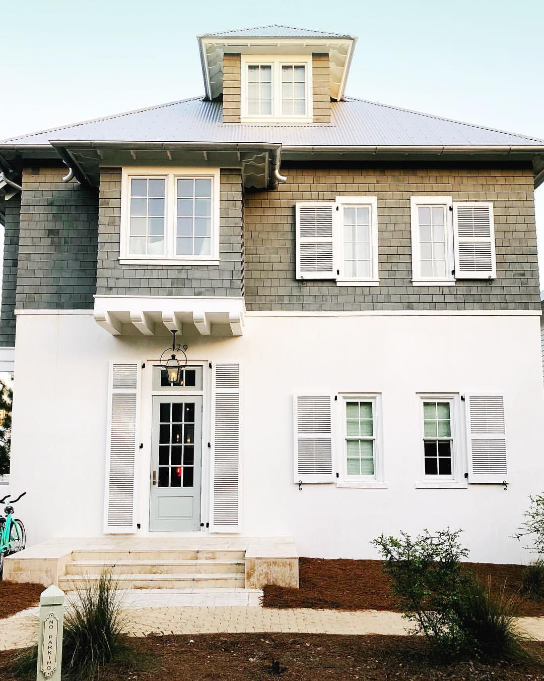 I Love This Combination Of White Stucco And Cedar Shake On This Beautiful Home What S Your Favorit White Stucco House House Paint Exterior Craftsman House