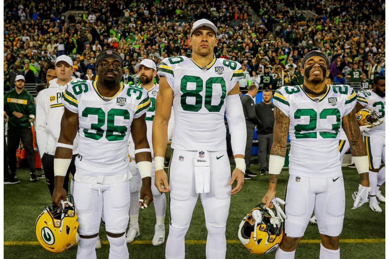 Team Captains 11 15 2018 Raven Green Jimmy Graham And Jaire Alexander Jimmy Graham Packers Fan Green Bay Packers