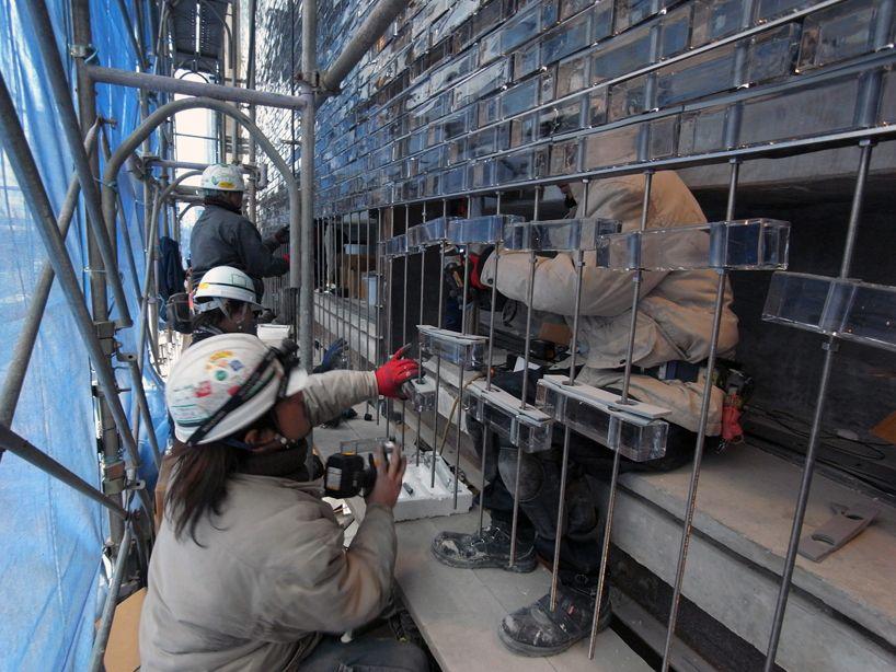 assembly of the glass masonry wall image hiroshi nakamura NAP