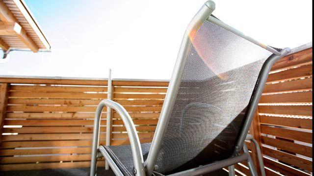 Gartenmöbel werden mit Hausmitteln wieder fit für die ...