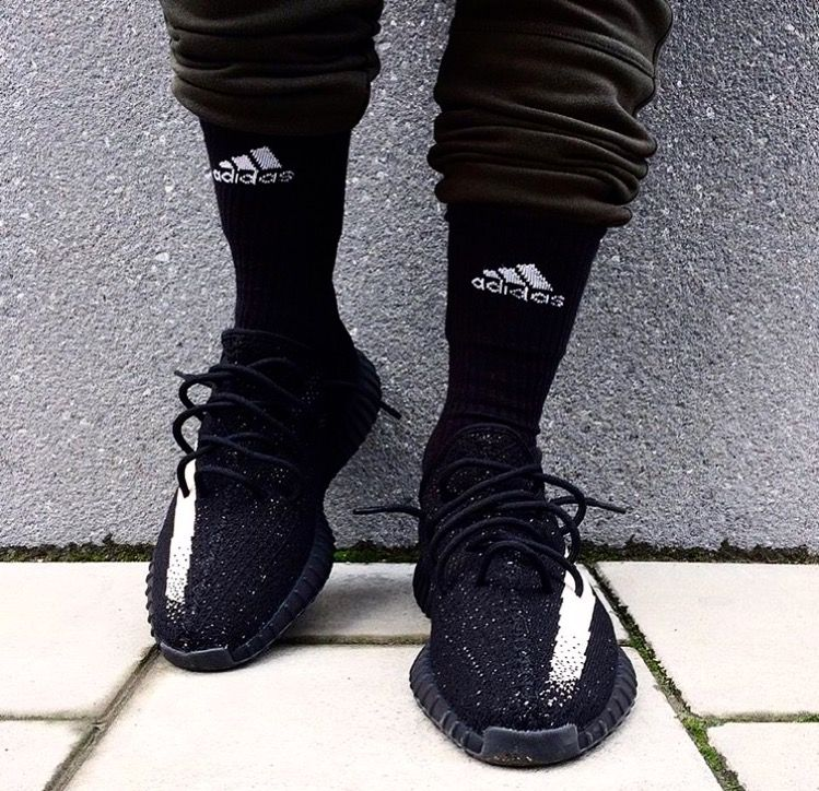 yeezy oreo on feet Adidas Yeezy Boost V2 Oreo