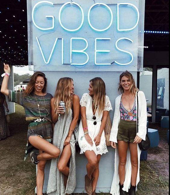 Pinterest @stickinmymind  #friends #bff #besties #goalsaf #goodvibes #tumblr #holiday #break #style #friendship #summer #beach