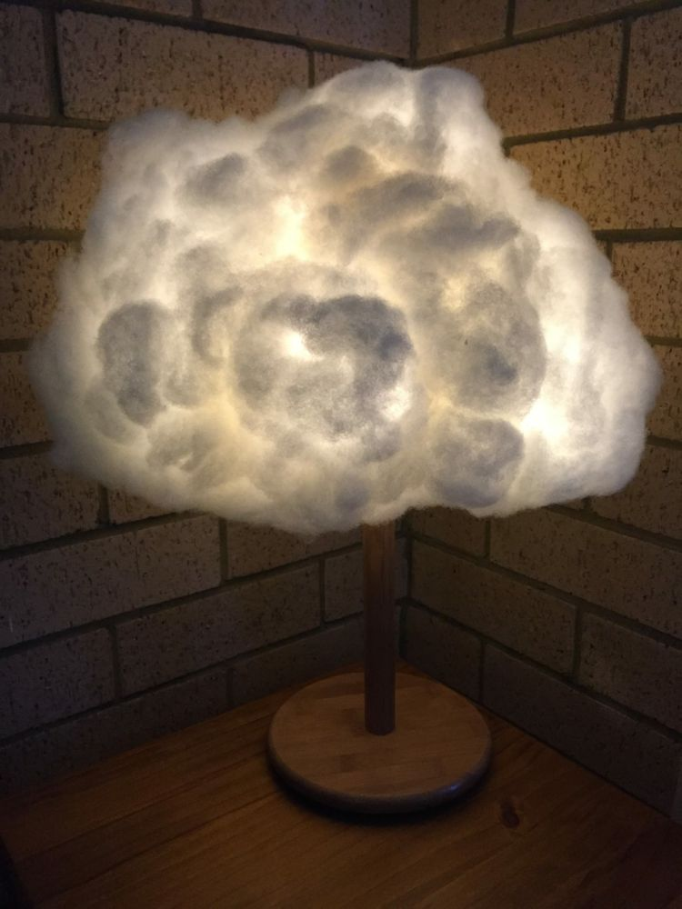 Lampe De Chevet En Forme De Nuage Avec Neige Synthetique Et Pied En