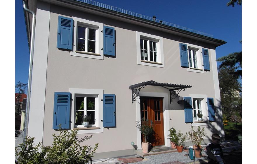Pin Auf Wohnen In Farbe: Haus Fensterläden, Fassade
