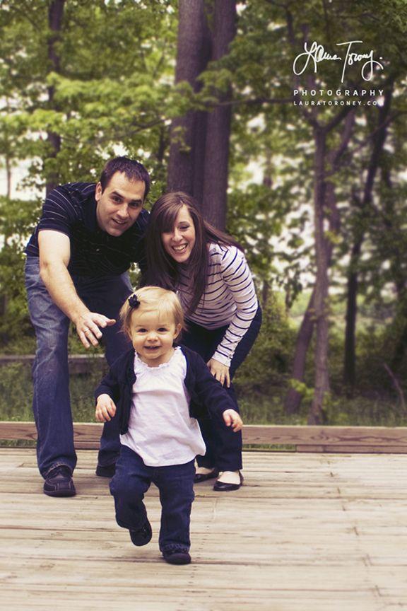 family portraits  http://www.lauratoroney.com/73909/656514/photography/families#