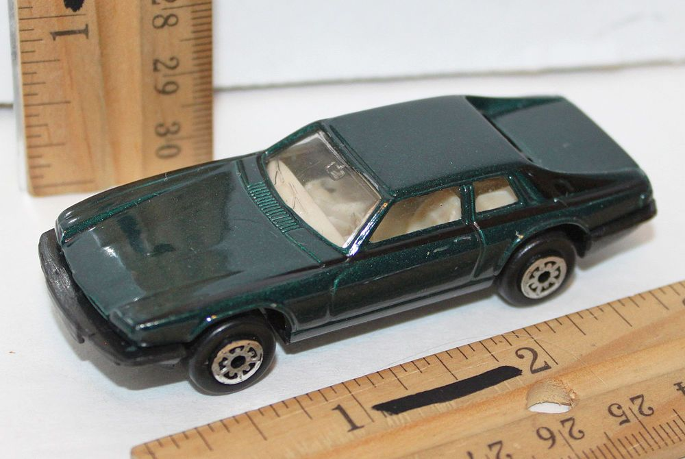 Maisto Jaguar Xj S V12 Dark Green Car 1 64 Toy 3 Luxury Vehicle