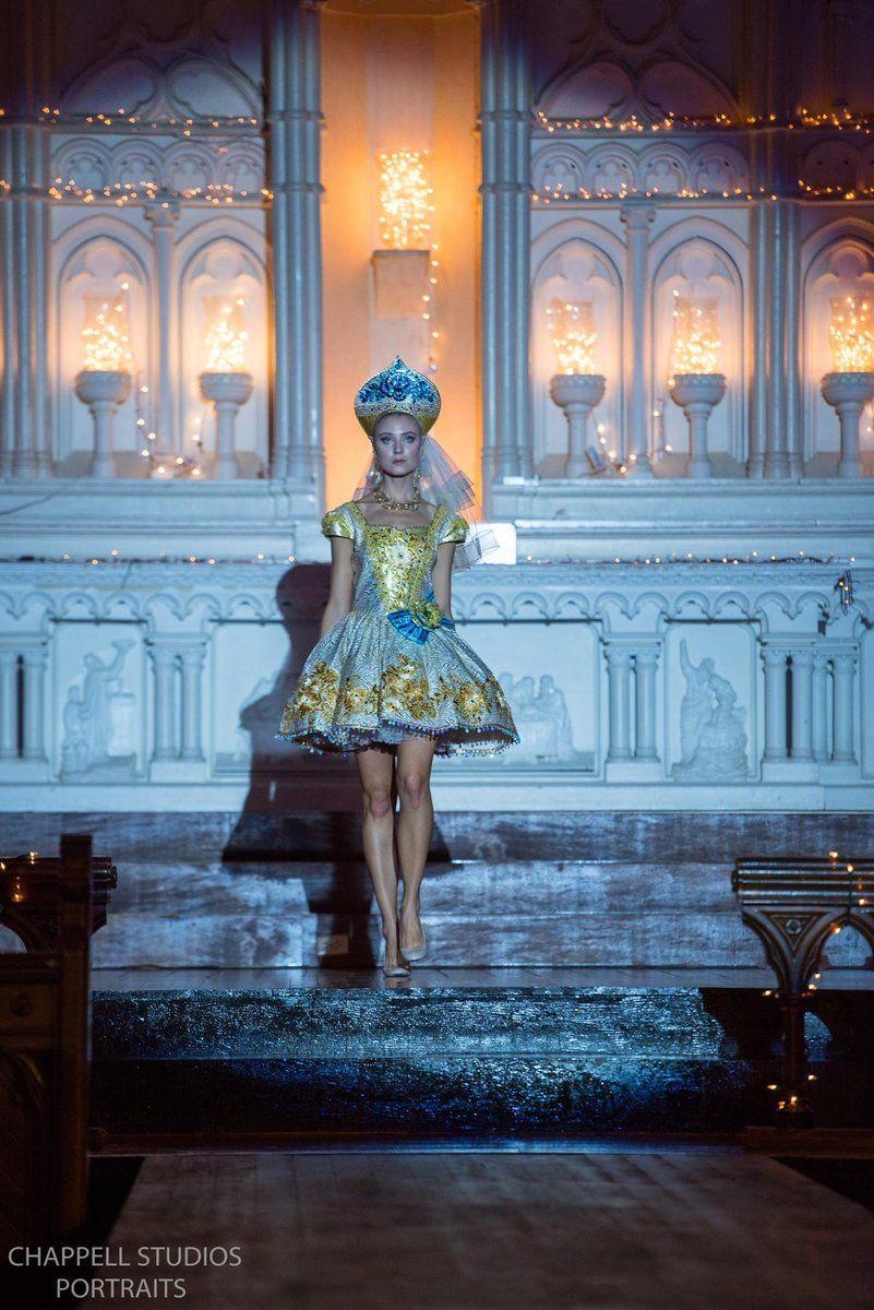 #runway #couture #hifashion #fashionweek #kokoshnik #russiandesigner #wedding #кокошник #высокаямода #свадьба #jenkasfashion