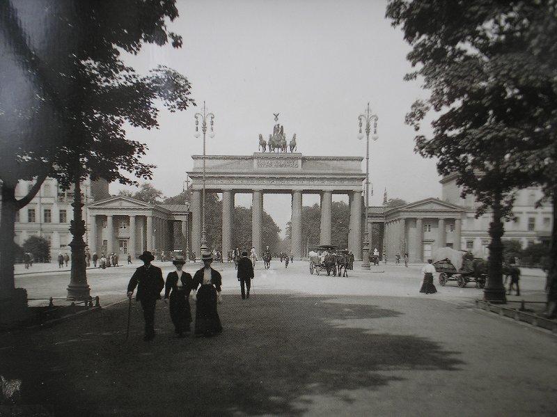 Berlin Unter Den Linden Und Brandenburger Tor 1907 In 2020 Berlin Brandenburg Gate Cities In Europe