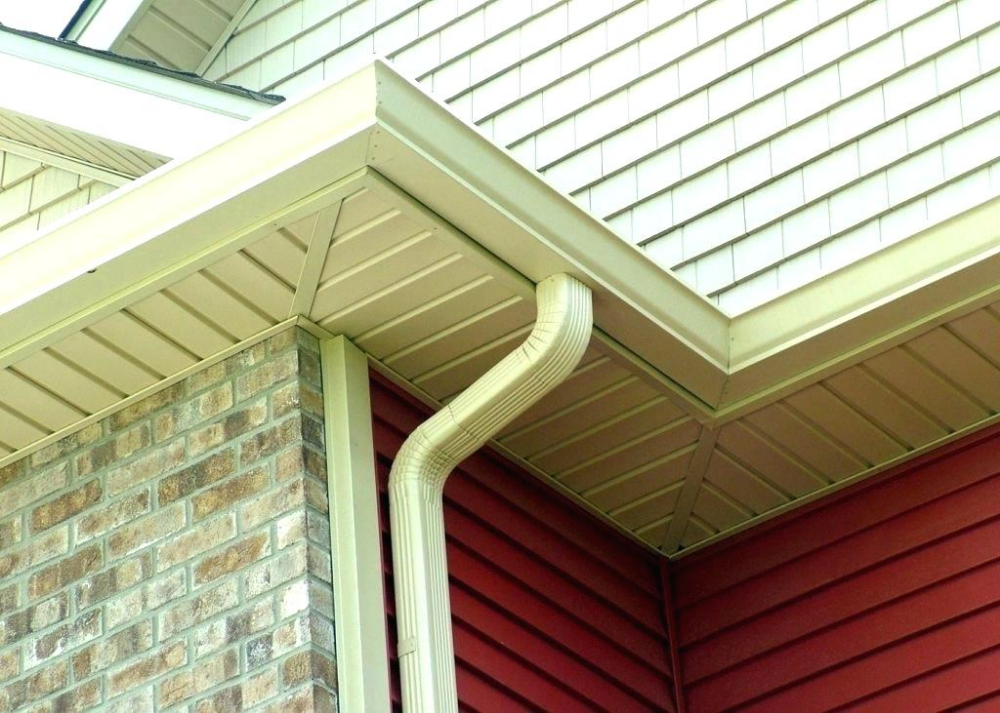 Vinyl Or Aluminum Rain Gutters Fascia Vs Seamless New Gutter Installation Companies How To Install Gutters Home Improvement Contractors Painting Aluminum Siding