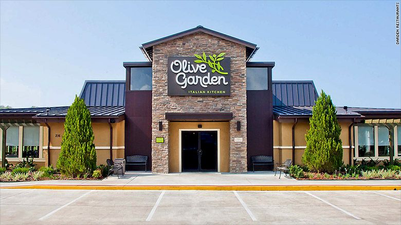 Today Is National Breadstick Day For Olive Garden Which Is A Big Hit On Main Street It Has Raised It Sto Restaurant Specials Olive Gardens Restaurant Exterior