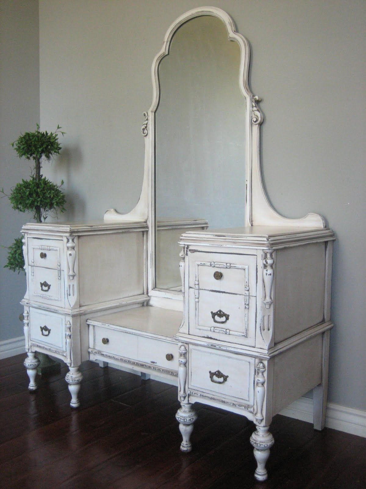 European Paint Finishes: Antiqued Ivory Dressing Vanity ~