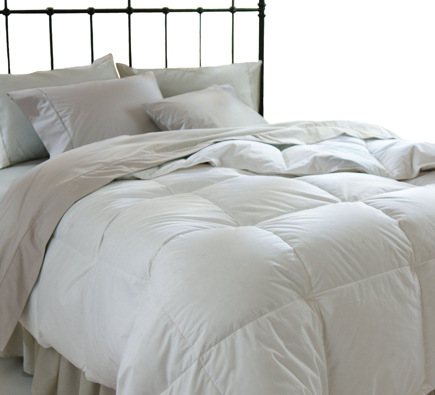 luxury down comforter provides medium warmth for yearround comfort filling with 750 fill king size