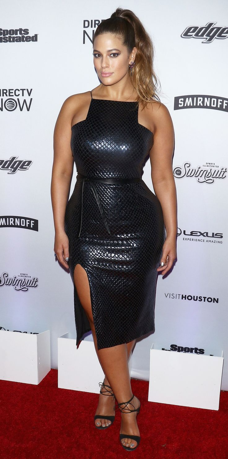 df5deaf3437 Ashley Graham taught us a thing or two on how to refresh the LBD. The  model s stunning number featured a thigh-high slit