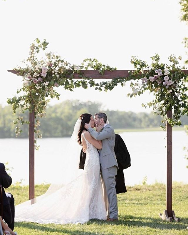 Southernbridemagazine Hashtag On Instagram Photos And Videos In 2020 Southern Bride Magazine Wedding Arch Winery Weddings