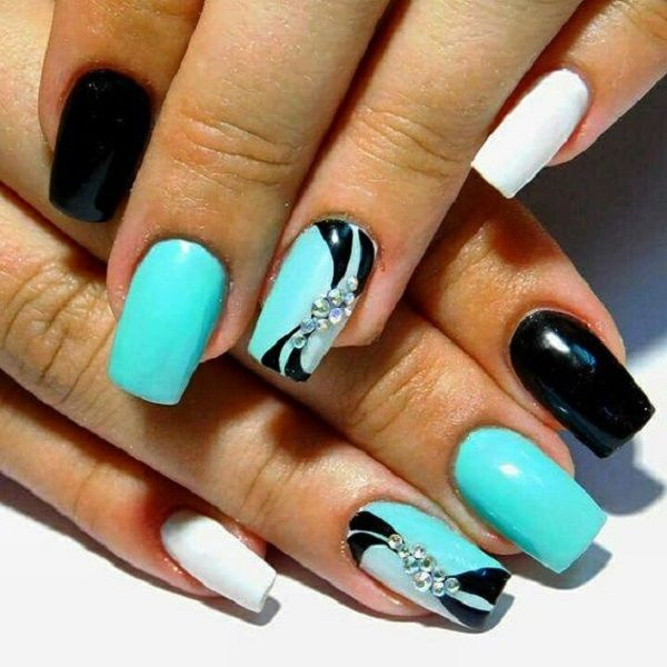 Easy-to-Do Summer Holiday Nail Art Design. Color your nails with this - 55 SUMMER HOLIDAY NAIL ART IDEAS Pinterest Holiday Nail Art
