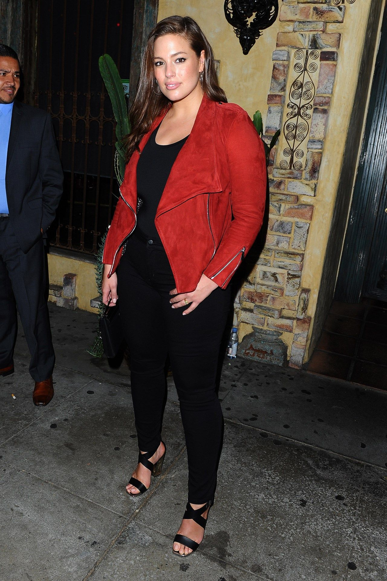 Celebrity Style I Ashley Graham I casual outfit inspiration I red suede biker jacket I trendy leather jacket I plus size outfit inpsiration  @monstylepin