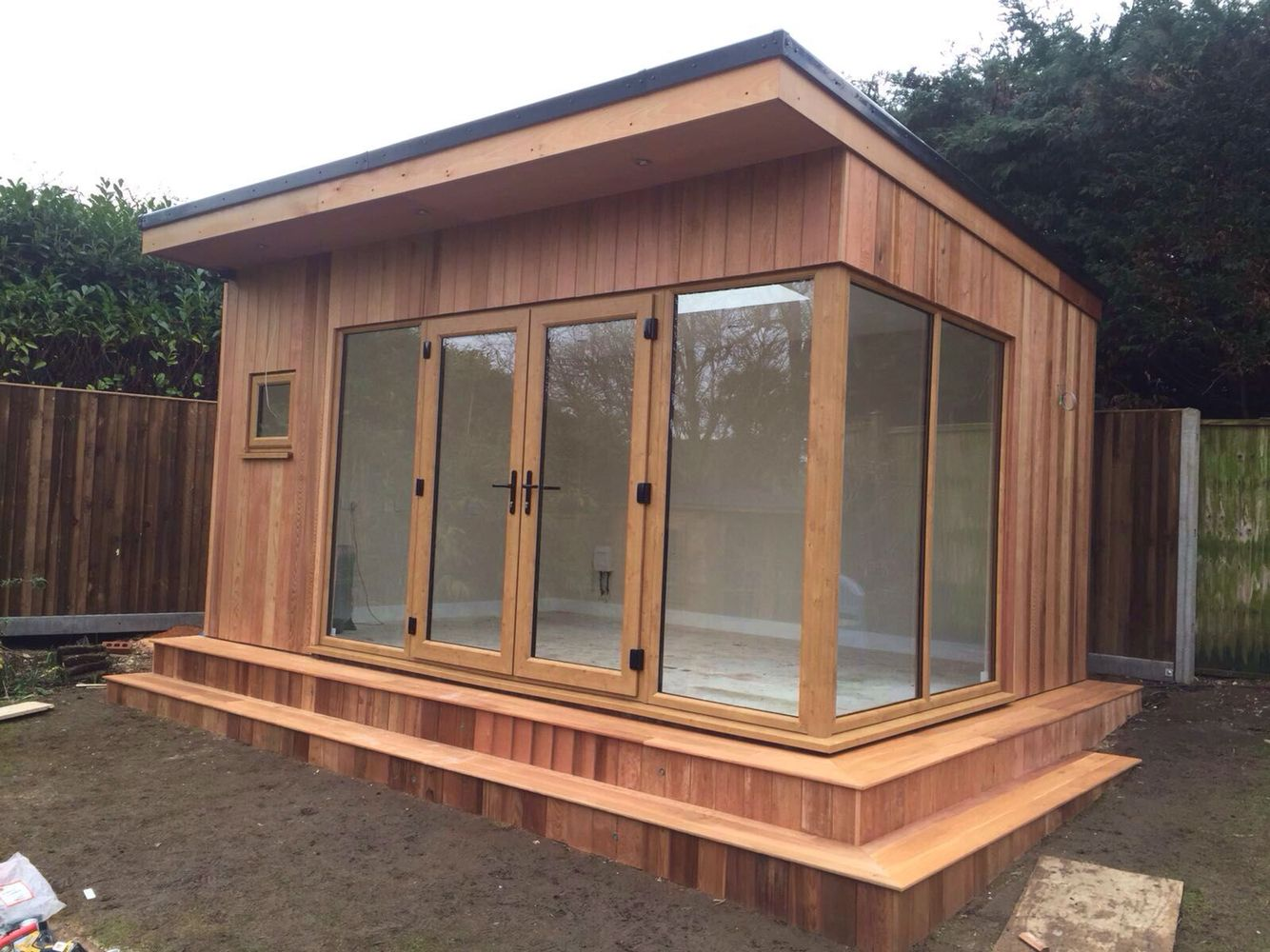 Garden office summer house built using western red cedar for Cedar garden office