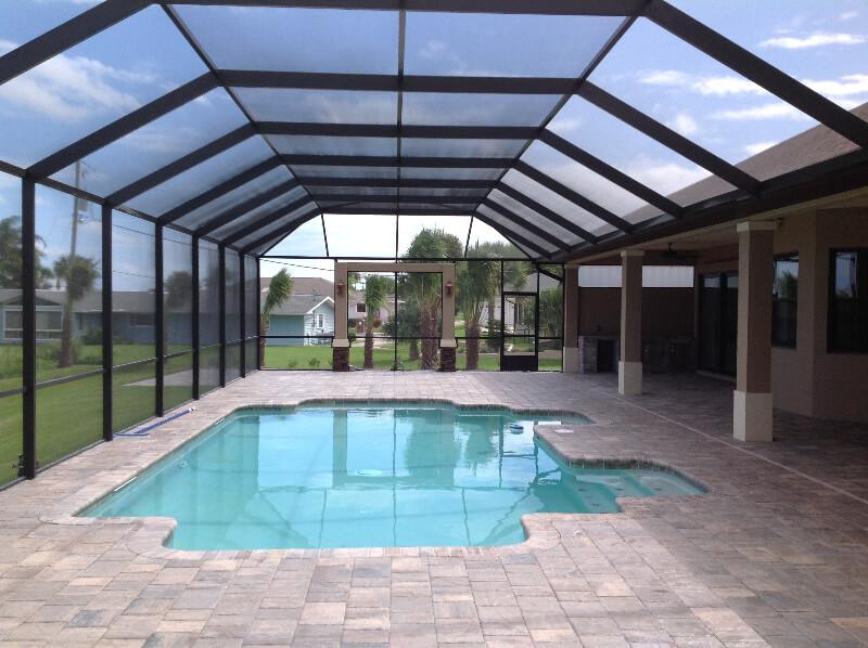 Aluminum Screen Enclosures Benefits Of Using Aluminum Vs Wood Swimming Pool Enclosures Patio Screen Enclosure Residential Pool
