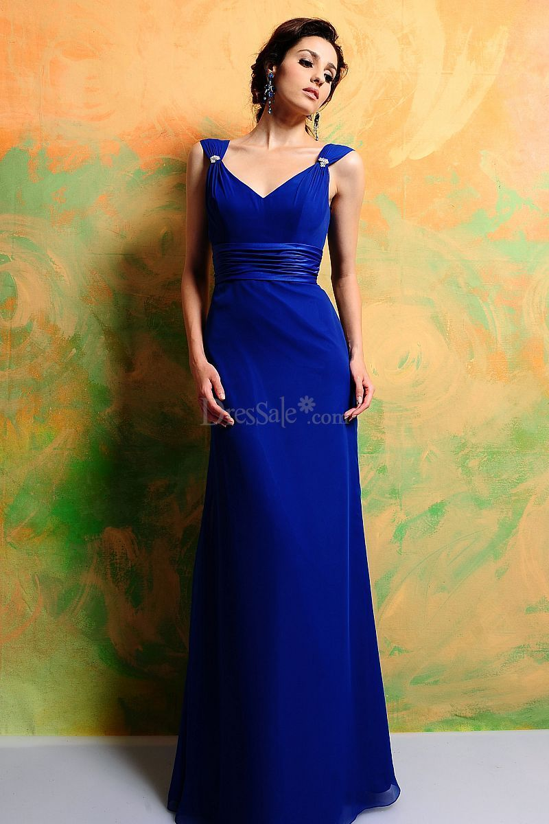 Elegant bridesmaid dress with ruches and vneckline