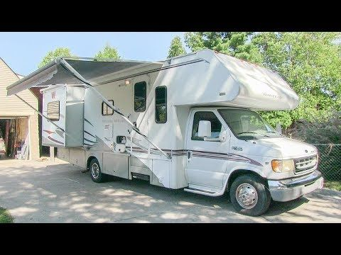 2002 Winnebago Minnie Winnie 27p Double Slide Class C Gas